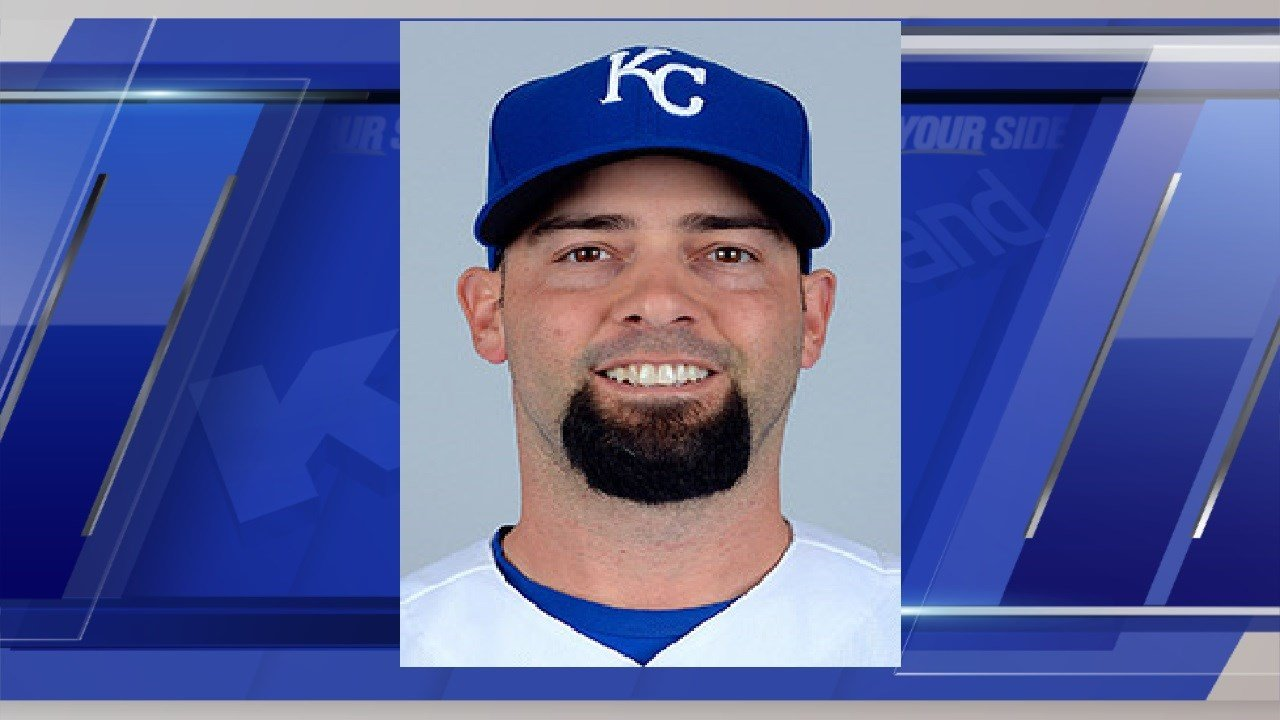 Royals top Twins 4-3 in 11 innings on Burns's sacrifice fly