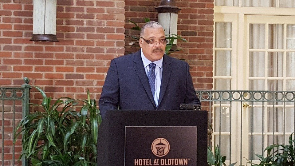 (2-20-2017 KAKE) Carl Brewer announces he will run for Kansas Governor at Wichita's Hotel at Old Town.