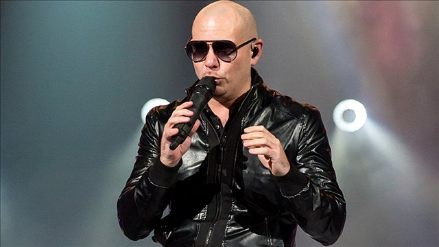 Pitbull sends private plane to Puerto Rico to help cancer patients