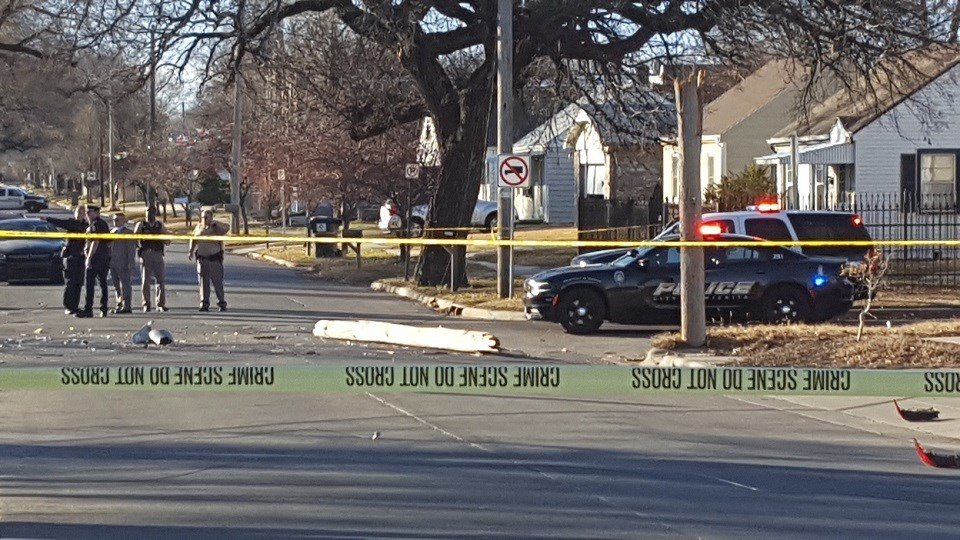 Murder suspect crashes after a chase in north Wichita on 11.30.17