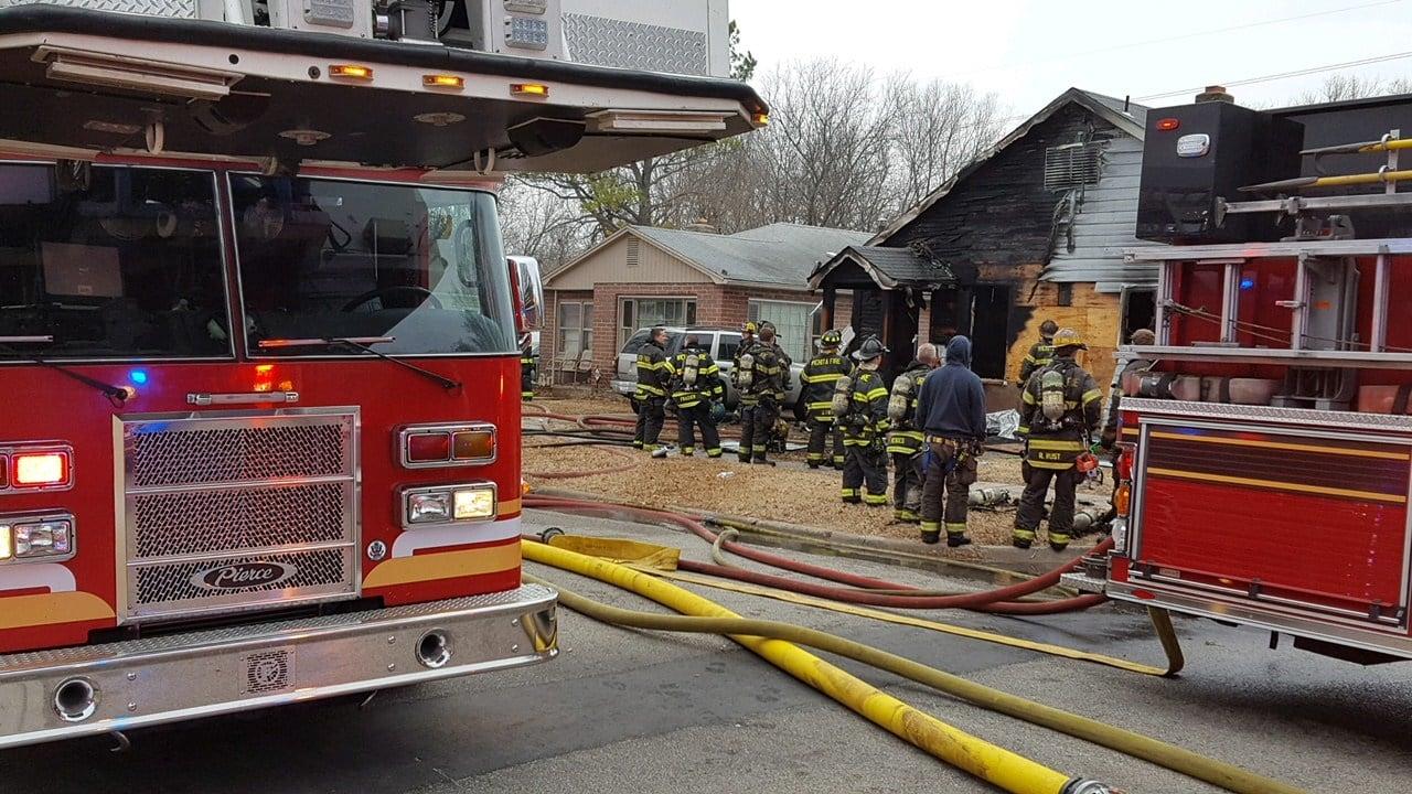Fire crews battle early morning blaze