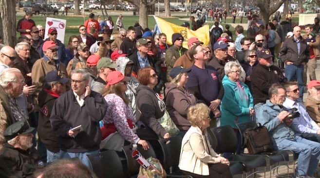 Pro-gun rally and anti-gun violence rallies compete in Topeka