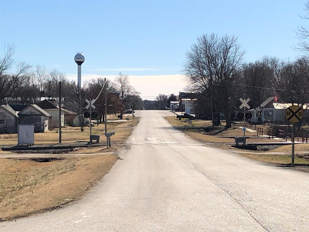 January 1st, 2019, despite switching their service providers, residents of Longton, Kansas, lost all cell phone service.  They still don't know why.