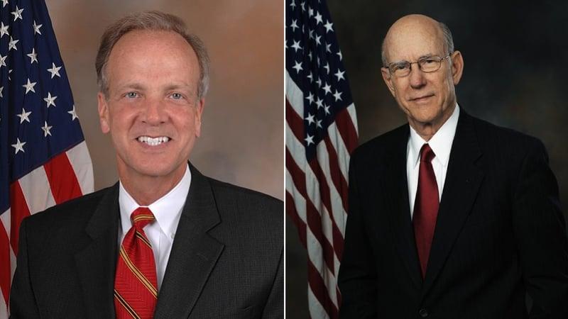 Kansas Sens. Jerry Moran (Left) and Pat Roberts
