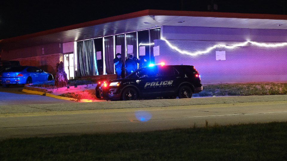 4 injured, 2 in critical condition after southeast Wichita shooting