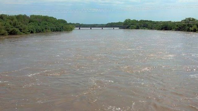Stock photo of Arkansas River at Arkansas City, KS (USGS)