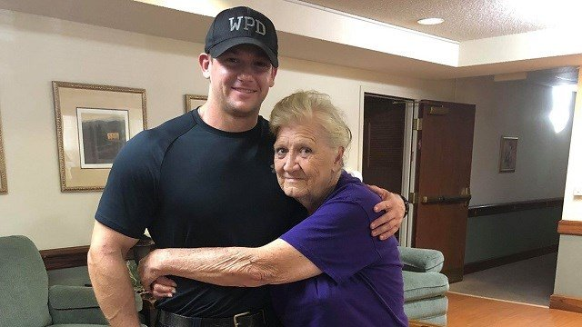 Officer goes above and beyond to help 76-year-old woman