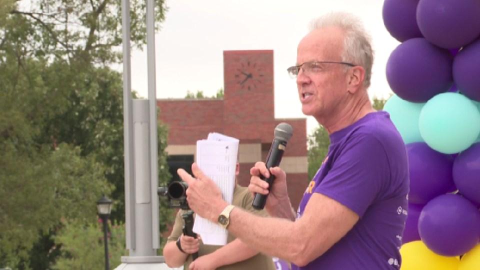 Senator Jerry Moran speaks at Alzheimer's walk in Wichita