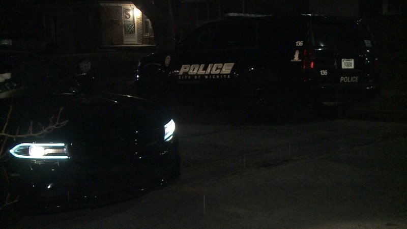 Man seriously hurt in east Wichita shooting a387db98286f