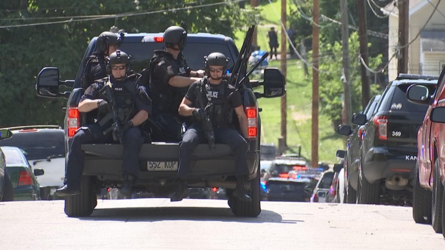 Police Woman Shot At Kansas City Kansas Deli Has Died